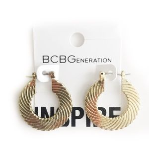 BCBGENERATION EARRINGS CIRCLE LOOP HOOP GOLD TONED